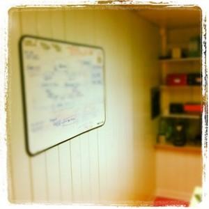 Le tableau blanc est un outil qui m'est indispensable pour exprimer mes idées